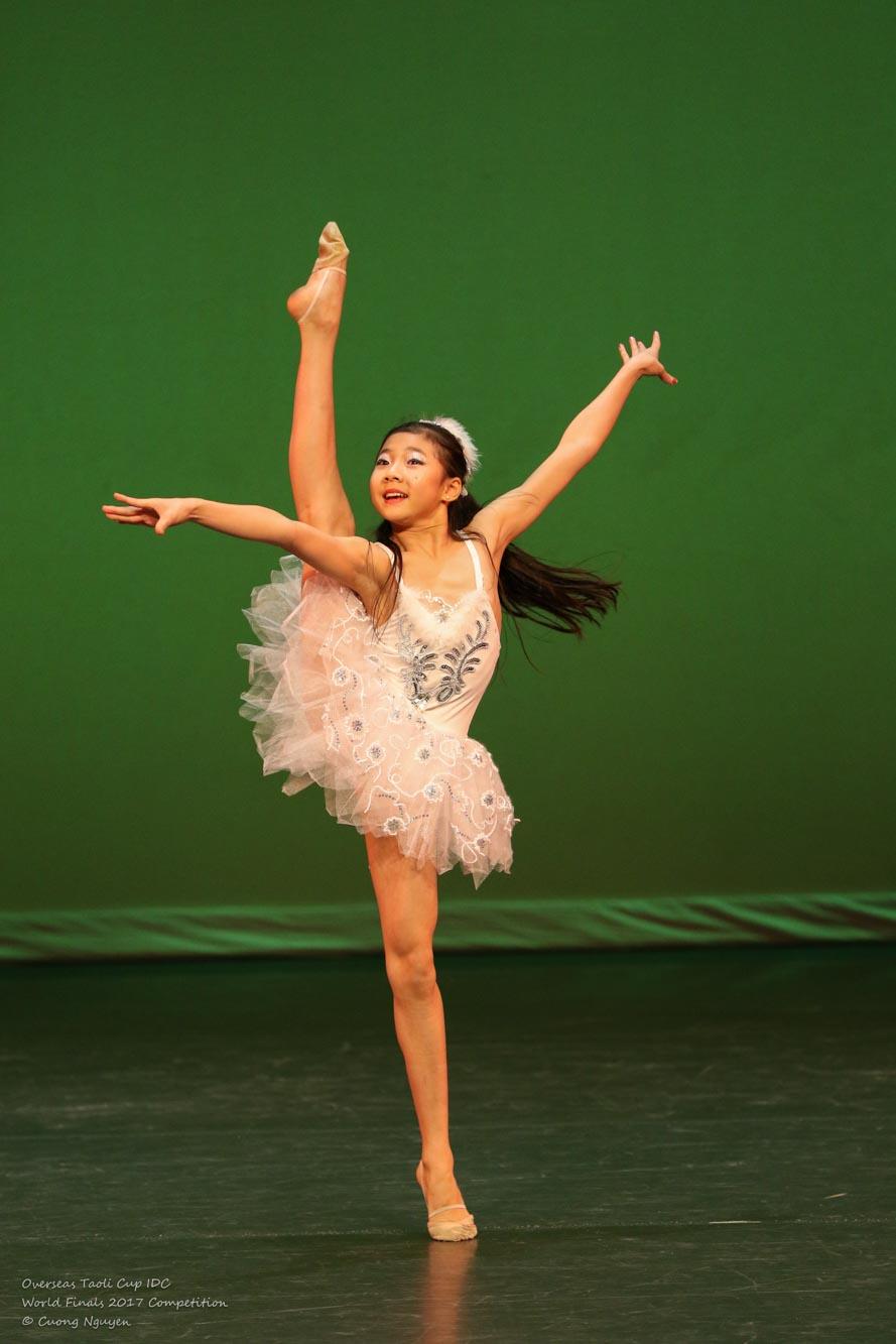 Dance of a Hummingbird Jessica Huang